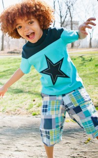 SHORT SLEEVE STAR APPLIQUE